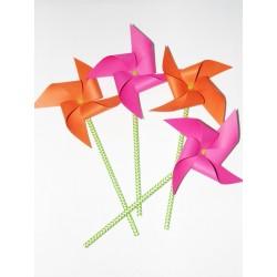Moulins à vent x 4 orange et rose fluo pour un baptême, mariage