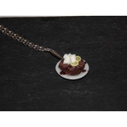 Collier gourmand brownie , chantilly & banane