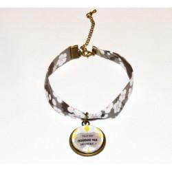 """Bracelet Liberty Art Fabric mitsi gris cabochon """"Tu es une nounou qui déchire ! """""""