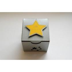 """Boîte à dragées gris argentée et jaune"""" étoiles """""""