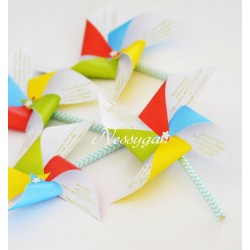 Faire-part moulin à vent ailes multicolores pour baptême