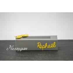 Boîte à dragées thème moustache jaune et grise