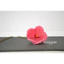 Collier fleur hibiscus