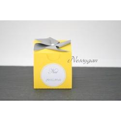 Boîte à dragées jaune moulin à vent gris
