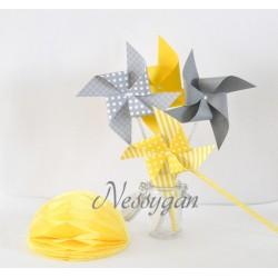 Moulins à vent x 4 gris et jaune pour un baptême