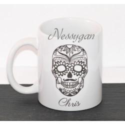 Mug tête de mort personnalisé avec prénom
