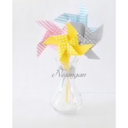 Moulins à vent x 4 rose/gris/ jaune/ bleu pour un baptême