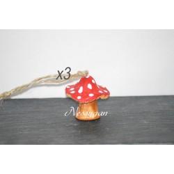 Lot de 3 champignons rouge à suspendre