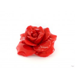 Broche fleur rose rouge