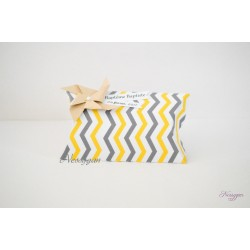 bo te pour drag es coussin chevrons jaune et gris nessygan. Black Bedroom Furniture Sets. Home Design Ideas