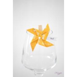 Marque-place pour verre avec moulin à vent