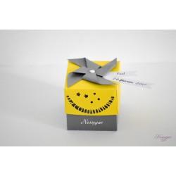 """Boîte à dragées jaune et grise moulin à vent """" ma communion"""""""