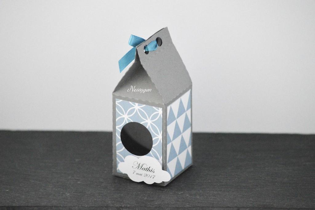 71c8fb036700 Boîte à dragées nichoir gris et bleu scandinave - Nessygan