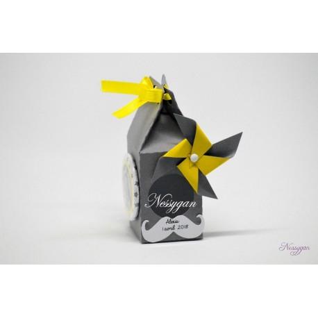 Boîte pour dragées moulin à vent jaune et gris badge magnet