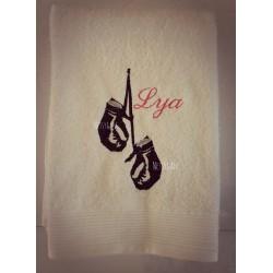 Serviette de bain personnalisée brodée thème Boxe, Muay-Thaï