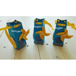 Boîte pour dragées bleue moulin à vent jaune badge magnet