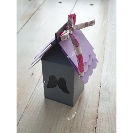 """Boîte pour dragées nichoir """" Ailes d'ange"""" grise et parme liberty Bougainvillée"""
