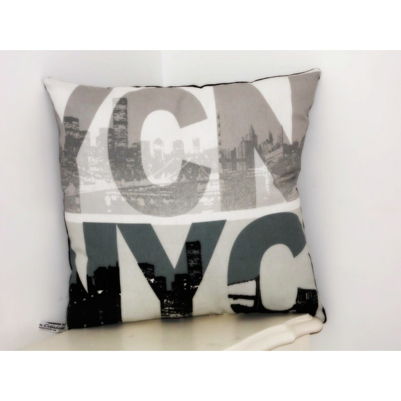 Coussin d co nyc new york city blanc gris noir nessygan for Deco noir blanc gris