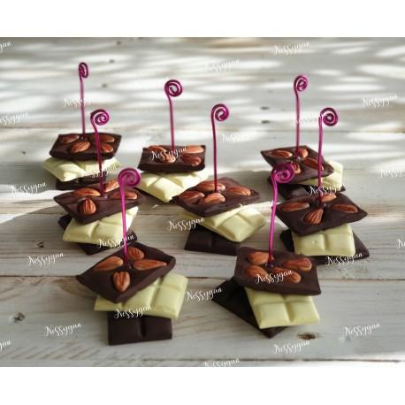 Marque-place tablette de chocolat au lait , noisettes, chocolat blanc