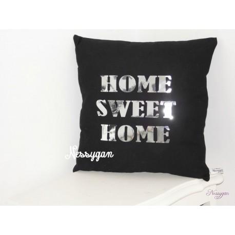 """Coussin """" HOME SWEET HOME"""" noir & argenté"""