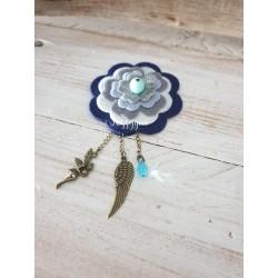 Broche fleur avec perle goutte bleue Swarovski