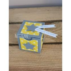 Boîte à dragées jaune et grise Etoile