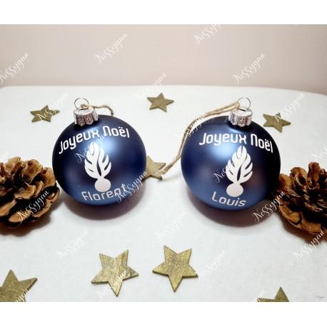 Boule de Noël bleue en verre personnalisée avec prénom Gendarmerie