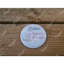 badge rond personnalisé Chouette violette pour infirmière, aide-soignante, sage-femme