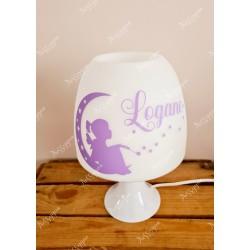 Lampe personnalisée avec prénom violet thème sur la lune