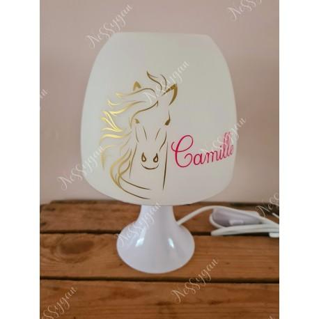 Lampe personnalisée avec prénom thème cheval
