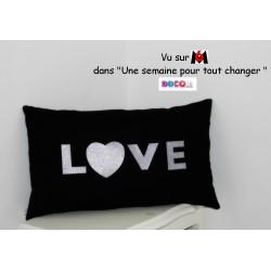 """Coussin noir & argenté personnalisé """"Love"""""""