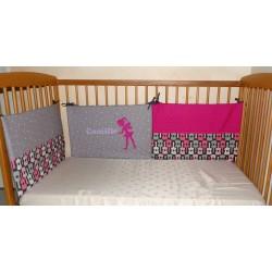 Tour de lit rose pour bébé personnalisé d'une fée