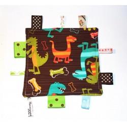 Doudou étiquettes dinosaures multicolores pour bébé