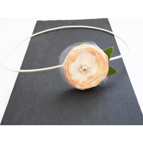 Headband bijou de tête fleur en satin et perle de verre